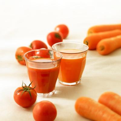 nước ép cà rốt với cà chua Binhnuocteen